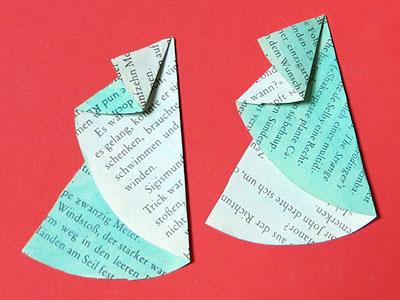 Tannenbäume aus Buchseiten