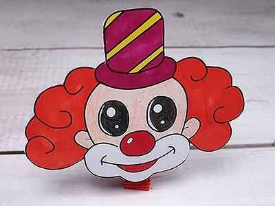 Clown Kopf kleben