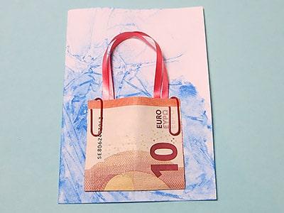 Geldschein anbringen