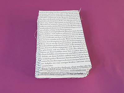 Ausgeschnittene Buchseiten