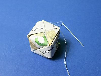 Geld Würfel falten - Schritt 16