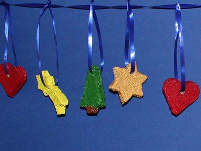 weihnachtskette-aus-toast